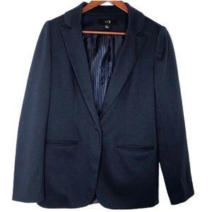 Forever21 Medium Navy Blue Blazer w front buttons